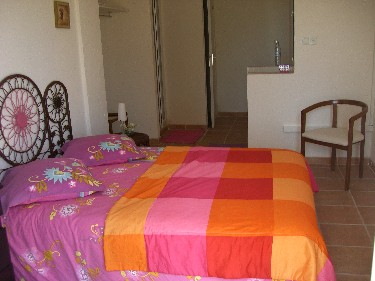 Le mas des anges for Chambre fushia orange